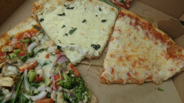LittleItalyPizzas3