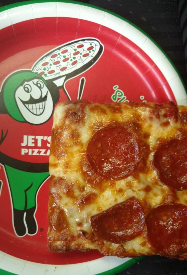 JetsPizzaPlate2