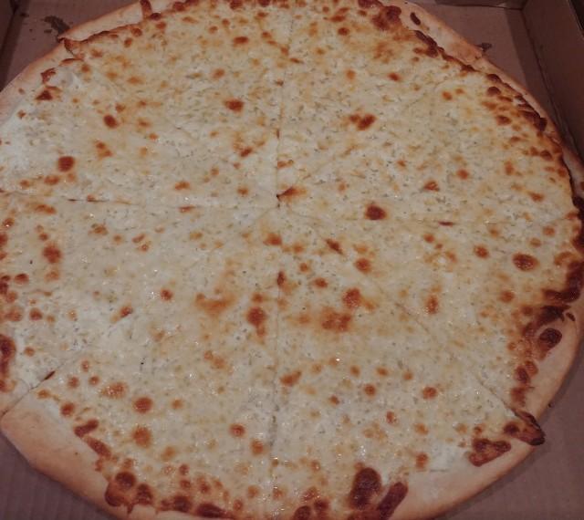 CapriCheesePizza